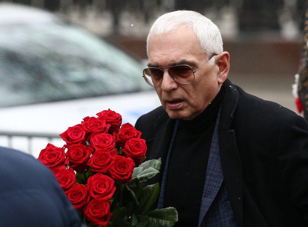 Режиссер Карен Шахназаров.