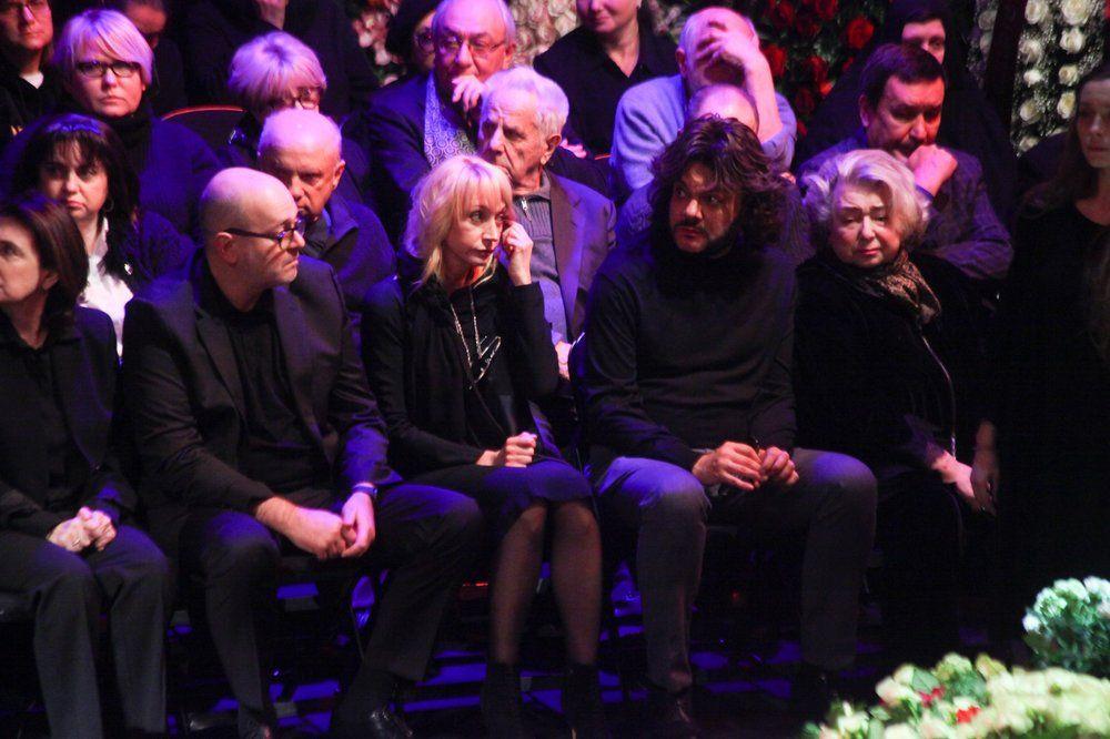 Певица Кристина Орбакайте, певец Филипп Киркоров и тренер Татьяна Тарасова.