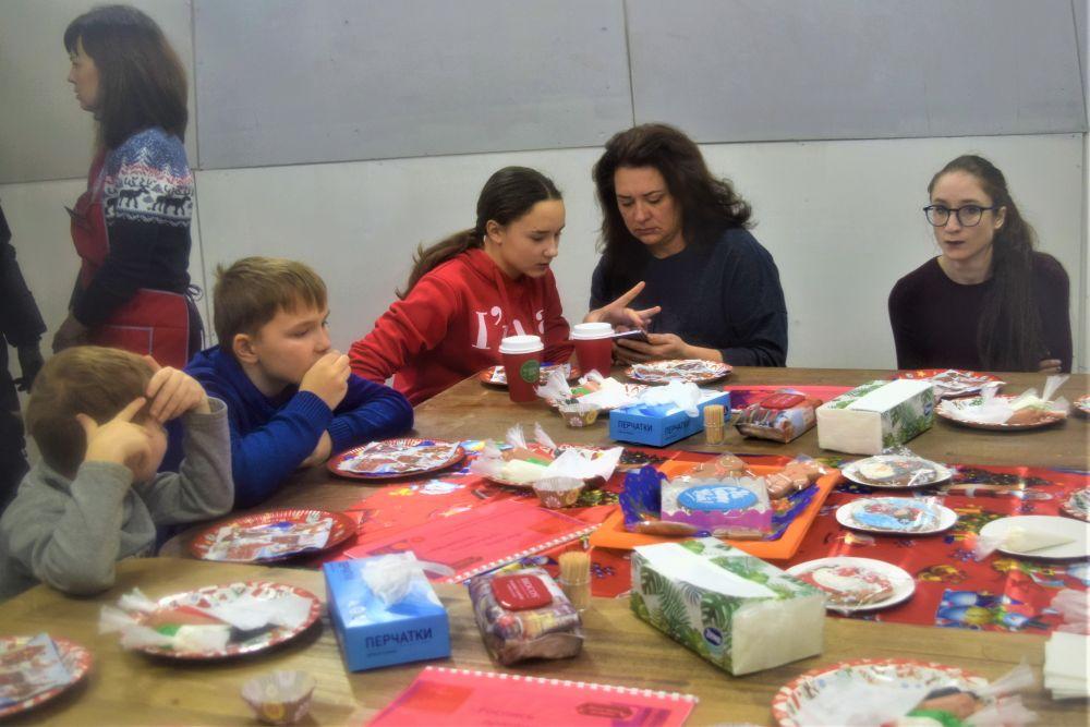 Каждый час на фестивале проходят мастер-классы для детей и взрослых.
