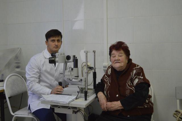 Ишимские врачи помогли 83-летней пациентке с глаукомой