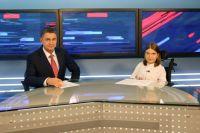 16-летняя Лиза Беляева стала телеведущей вечернего выпуска новостей на телеканале «Россия-24».