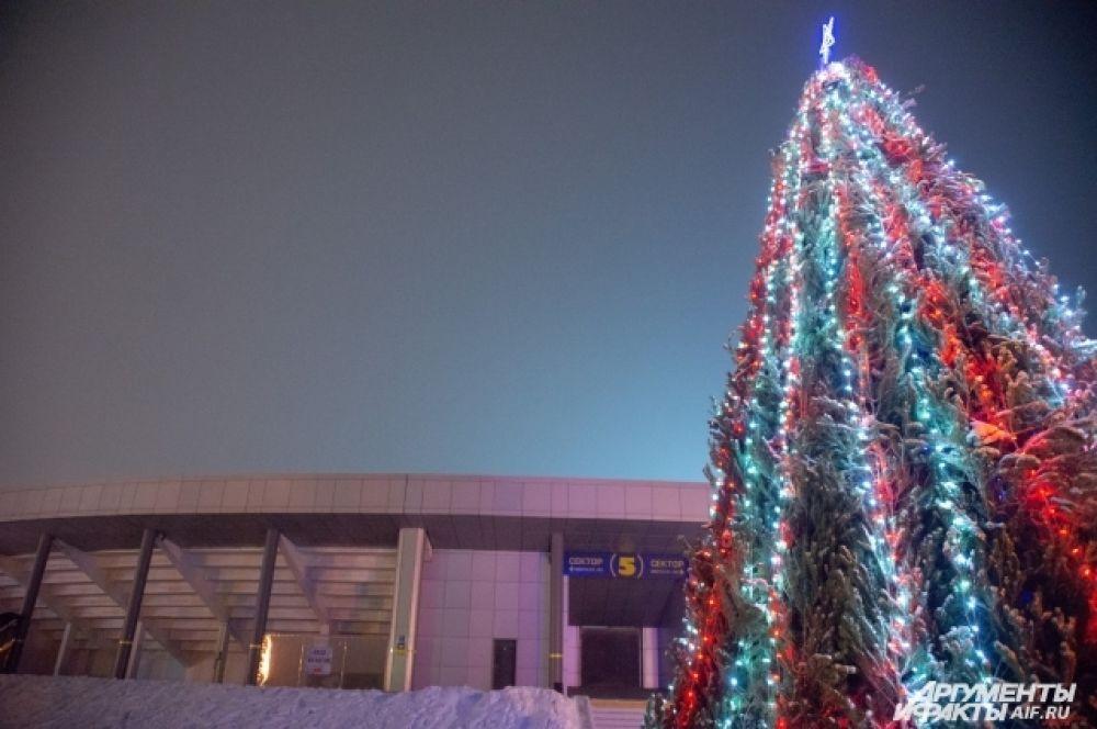 Ёлка у Центрального стадиона Улан-Удэ
