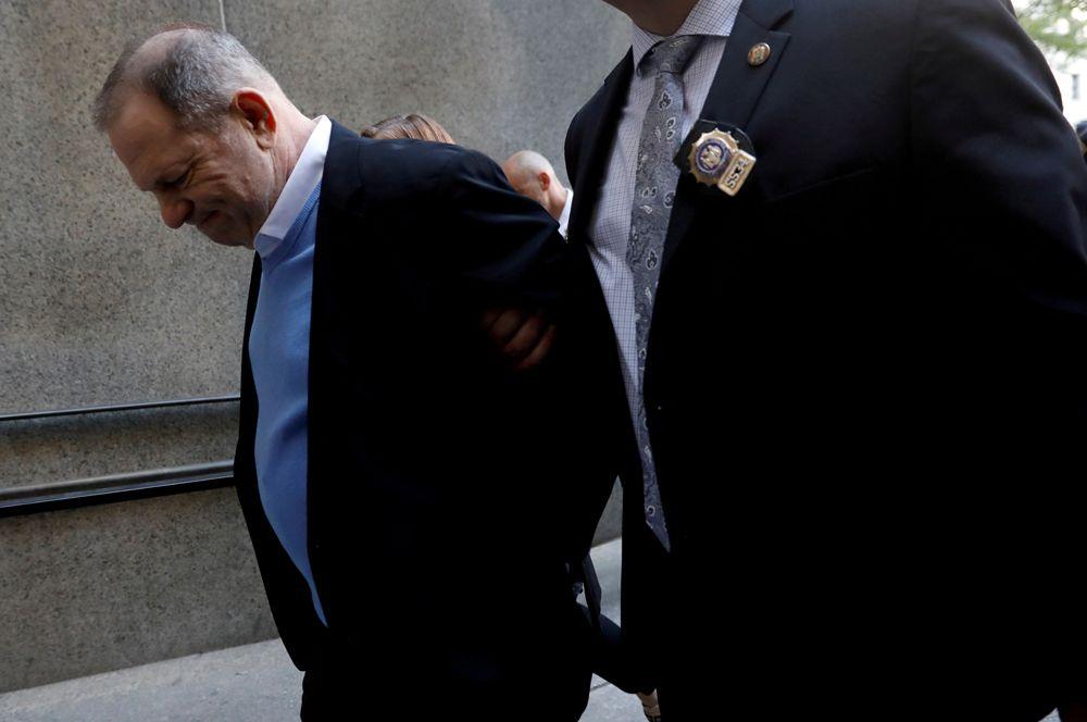 Скандал вокруг голливудского продюсера Харви Вайнштейна разгорелся осенью 2017 года. В The New York Times было опубликовано расследование, в котором многие актрисы обвинили продюсера в изнасилованиях или сексуальных домогательствах: по их утверждениям, Вайнштейн занимался этим на протяжении многих лет. Среди обвинителей были и звезды: например, Гвинет Пэлтроу и Анджелина Джоли.