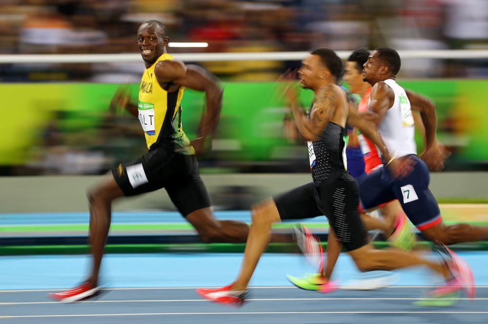 Победная улыбка ямайского спринтера Усэйна Болта во время забега на 100 метров среди мужчин на Олимпиаде в Рио-де-Жанейро. Пользователи сети быстро превратили этот кадр в мем.