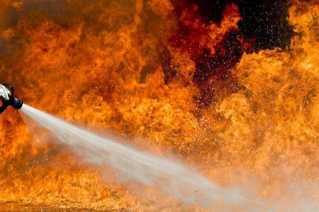 Под Новый год в Тюмени горел ресторан Tesla Burger
