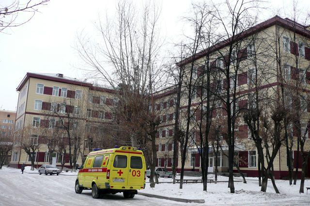 Президент РФ присвоил звания заслуженных врачей двум специалистам ОКБ №1