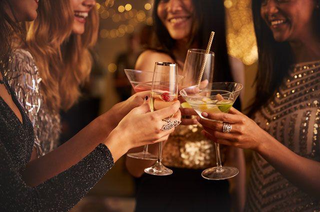 В Санкт-Петербурге уже несколько лет в легальной рознице нельзя купить спиртное после 22.00.