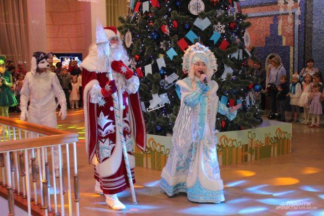 Оренбургские театры приглашают в новогодние праздники на спектакли.