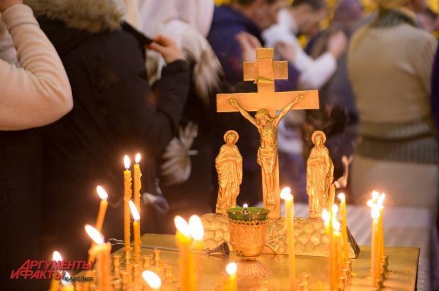 Жители Тюменской области встречают Рождество Христово