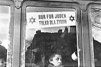 Варшавский трамвайный вагон TYLKO DLA ZYDOW, 1940 год.