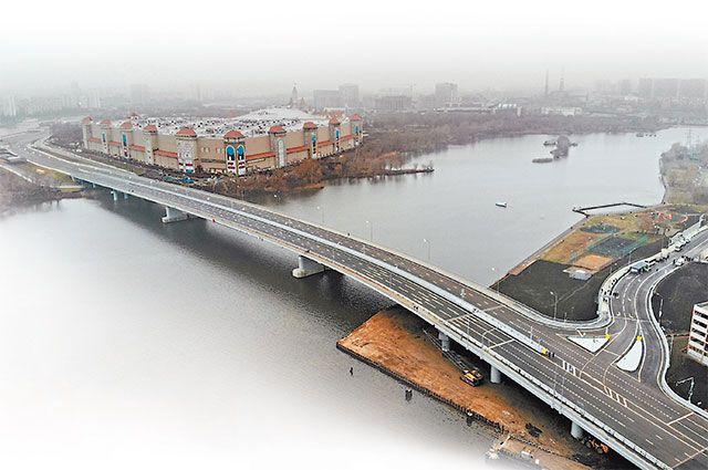 Новый мост через Кожуховский затон связал берега Москвы-реки и два района столицы.