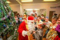 Чего только не подарил детям Дед Мороз!