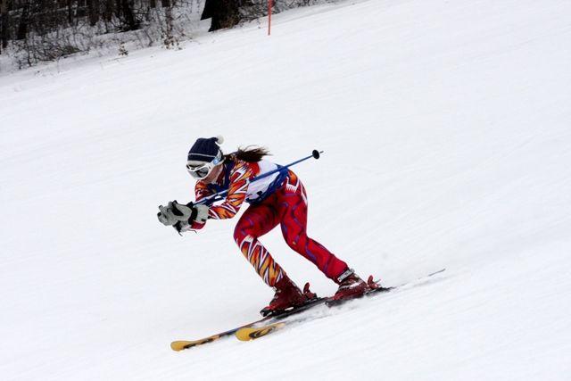 Любители активного отдыха могут обратить внимание на горные лыжи.