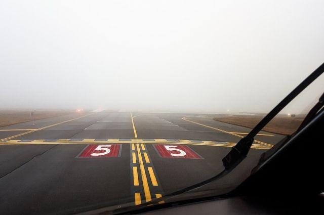 В Оренбурге ночью не смогли приземлиться два самолета из Москвы.