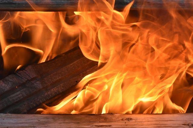 Площадь пожара - 0, 5 квадратных метров.