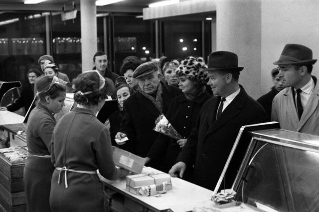 Продуктовый отдел «Государственного универсального магазина». 1967 г.