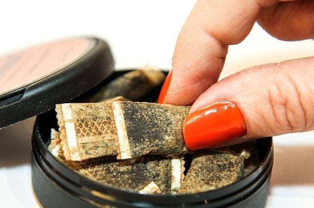 В Оренбуржье в ходе рейдов изъято более 400 упаковок снюса.