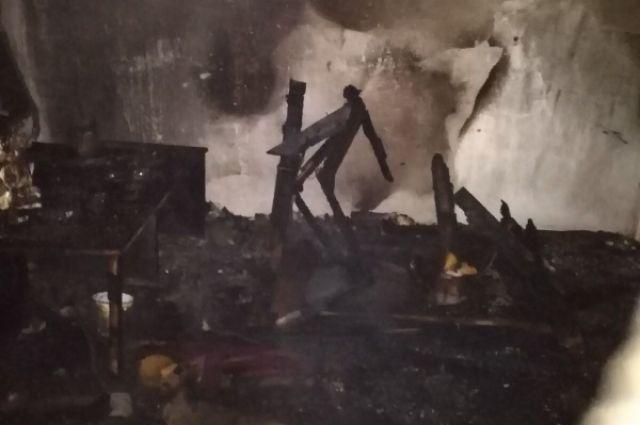 В Орске с пожара госпитализирован обгоревший мужчина.