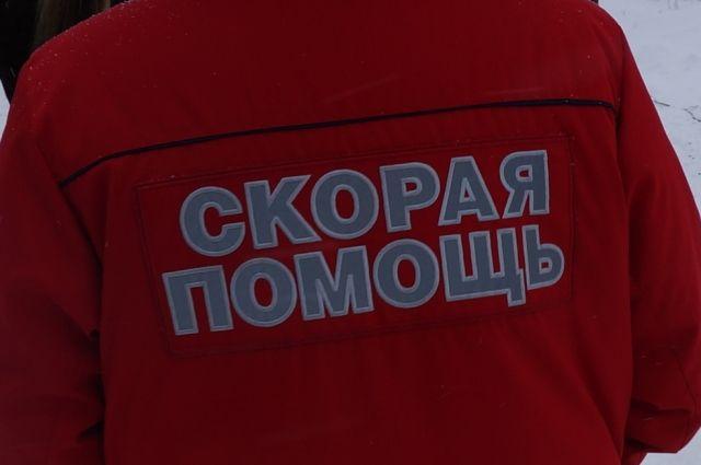 На месте работают врачи скорой помощи, постраадвшим оказывают медицинскую помощь.