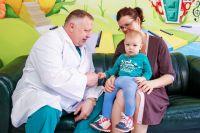 Двум тюменским врачам присудили почетные звания