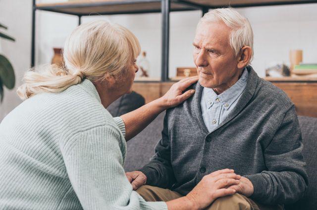Дурной характер или болезнь? Как заметить признаки старческого слабоумия