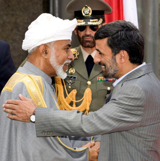 4 августа 2009 года, президент Ирана Махмуд Ахмадинежад и султан Омана Кабус бен Саид.