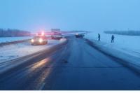 На трассе Оренбург-Самара столкнулись иномарка и ГАЗель, есть пострадавший.