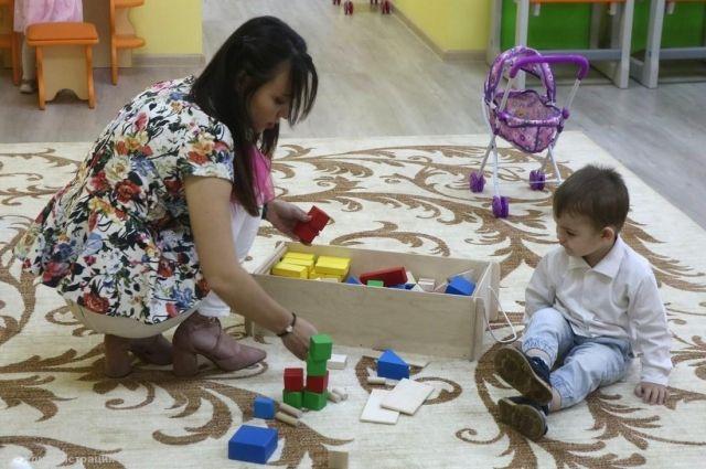 За ребенка в возрасте от 3 до 7 лет родителям придется заплатить 1705 рублей в месяц.