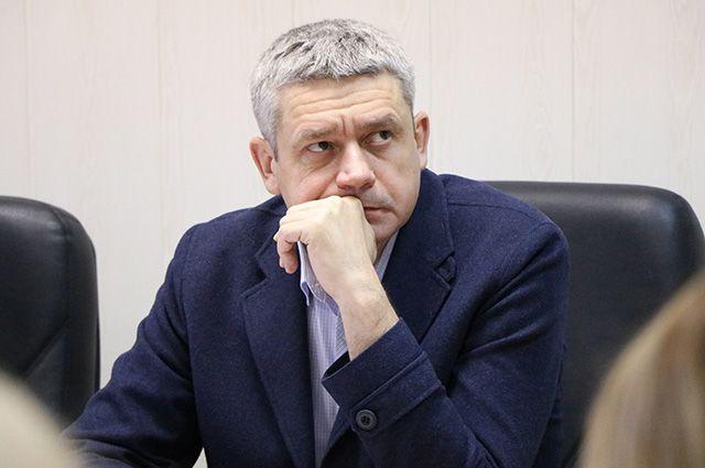 Глава Миасса Григорий Тонких поторопился отчитаться о ремонте в школьном туалете.