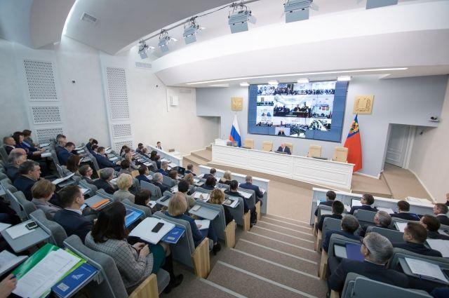 Сергей Цивилев отметил, что наружная реклама должна соответствовать нормативам.