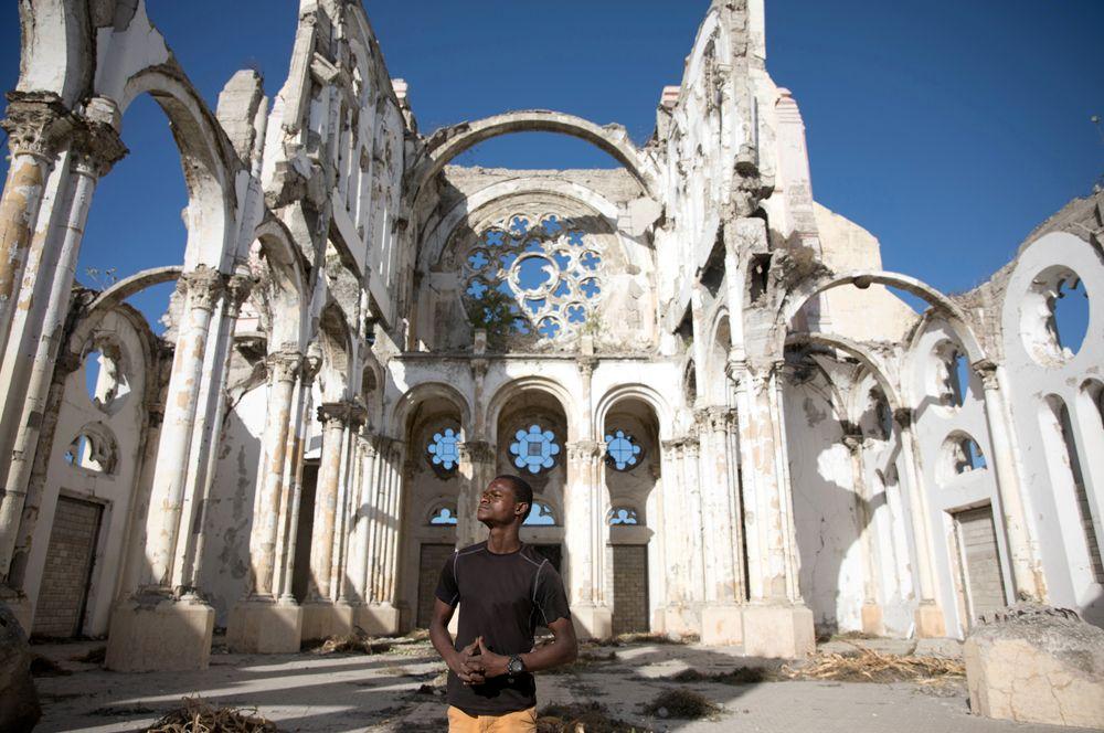 Во время землетрясения получил серьезные повреждения собор Порт-о-Пренса. Крыша храма и башни, обрамляющие главный вход, были разрушены, устояли лишь стены.