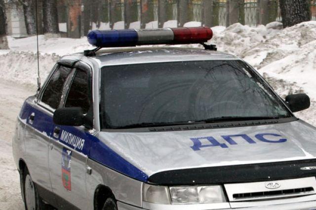 В Ижевске легковушка вылетела на территорию школы