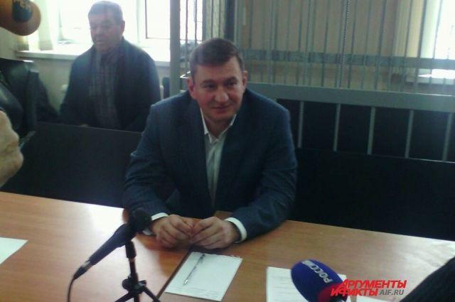 В Оренбурге продолжается судебное расследование уголовных дел экс-мэра Е.Арапова.