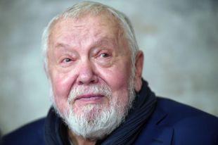 СМИ: режиссера Сергея Соловьева экстренно прооперировали в Москве