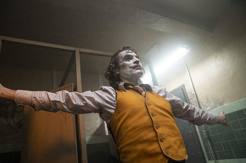 За лучшую мужскую роль будут бороться: Хоакин Феникс, «Джокер». Картина Тодда Филлипса также претендует на звание лучшего фильма года.