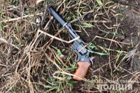 В Киевской области мужчина с револьвером набросился на полицейских