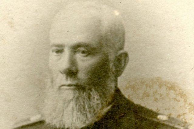 Выпускник Безансонской академии уехал из Парижа в Сибирь и стал преподавать кадетам французский язык.