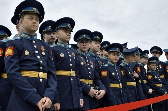 В школах Тюменской области планируют открыть классы кадетов