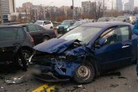 В столице произошло ДТП, столкнулись сразу три автомобиля