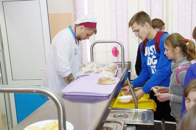 Обращение в контролирующий орган — единственный способ решить проблемы школьного питания.