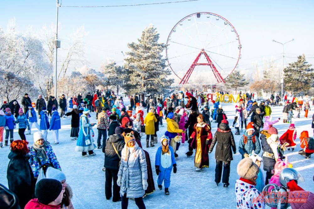 12 января на острове Конный прошёл традиционный ежегодный бал-маскарад.