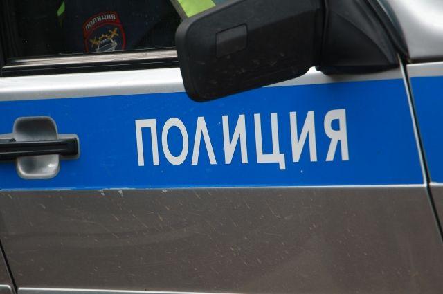 Когда водитель на иномарке остановился, его задержали и доставили в дежурную часть.
