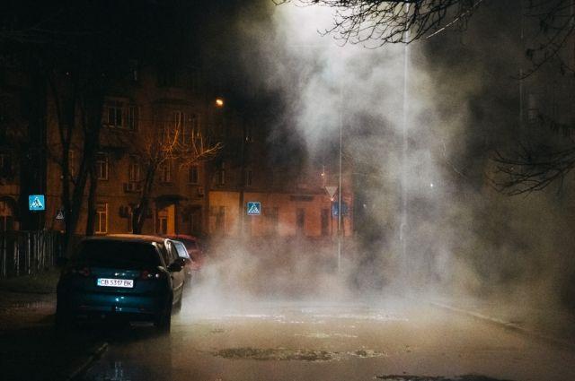 В Киеве прорвало еще одну трубу с горячей водой: что известно