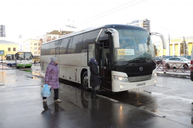 Сейчас на маршрут Ярославль - Рыбинск дополнительно выведены три 55-местных автобуса.