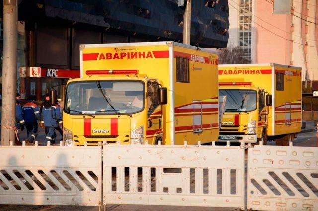 Киевтеплоэнерго ликвидировал повреждения трубопровода возле ТРЦ Ocean Plaza