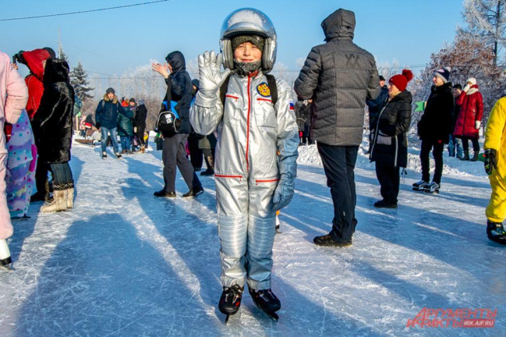 А девятилетний Давид мечтает стать космонавтом, поэтому примерил его костюм. Судьи также дали ему приз