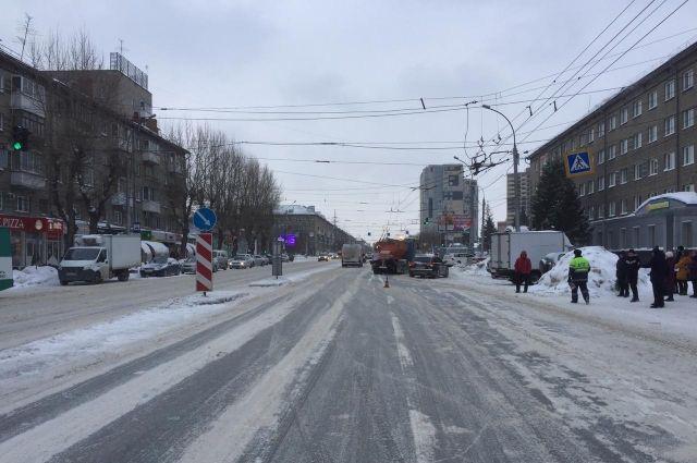 На пешеходном переходе в районе дома 32 по улице проспект Дзержинского водитель наехал на мальчика 2003 года рождения.