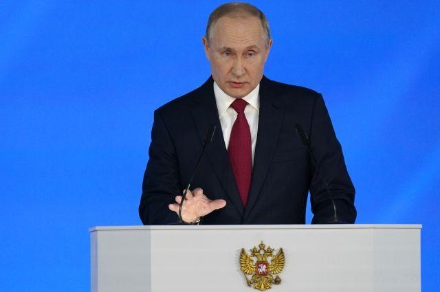 Путин: все ученики начальных классов будут обеспечены бесплатным питанием