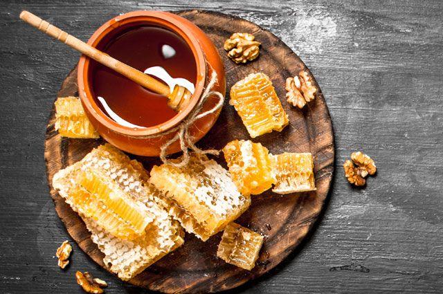 Бочка дёгтя в ложке мёда. Почему продукт пчеловодства может быть вреден?