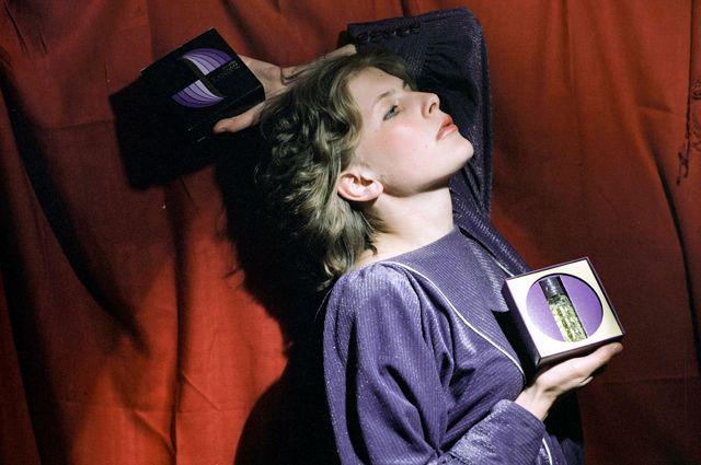 Латвийская ССР. Рижская парфюмерно-косметическая фабрика Dzintars. Реклама новых духов «Kanons». 1987 год.